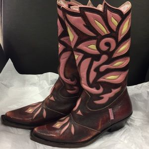 Roberto Cavaliers Angels brown pink boots  size 34